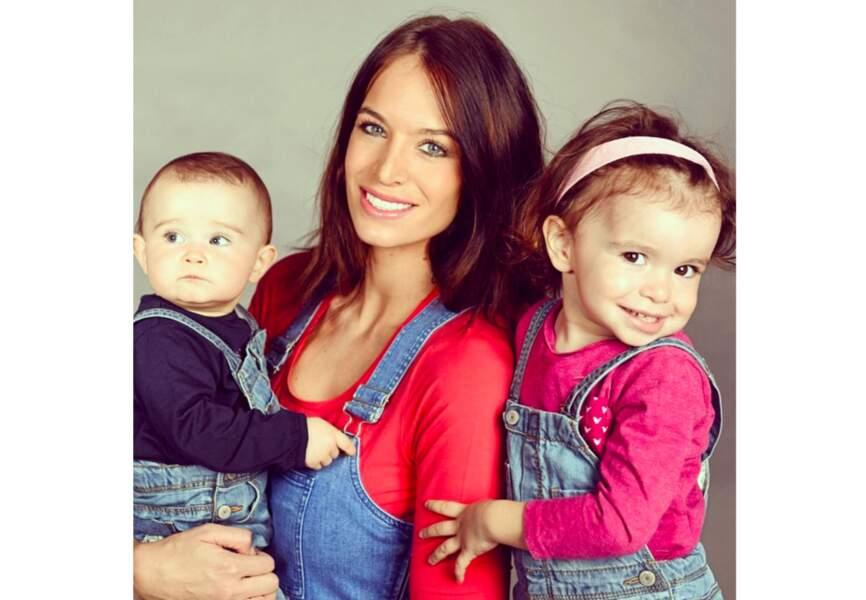 Pour éviter les fashion faux-pas, Jade Lagardère habille Liva et Mila comme elle, en salopette de denim