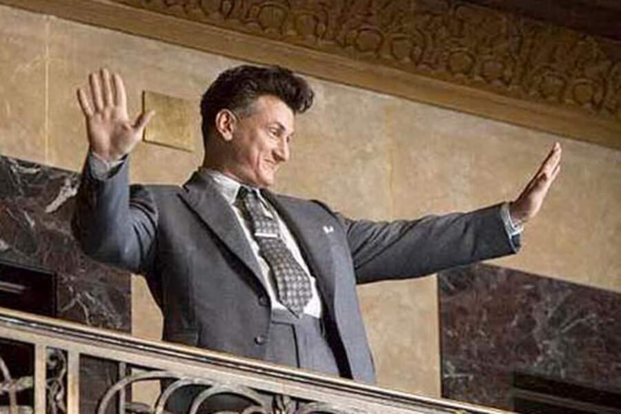 """En 2006, Sean Penn joue les politiciens idéalistes dans """"Les Fous du roi"""", un thriller au coeur du monde politique"""