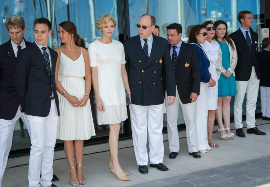 Charlène et Albert de Monaco posent devant les photographes (c) Abaca