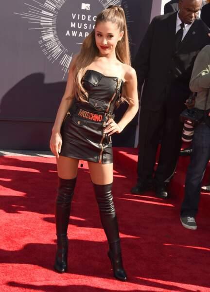 Ariana Grande en Moschino