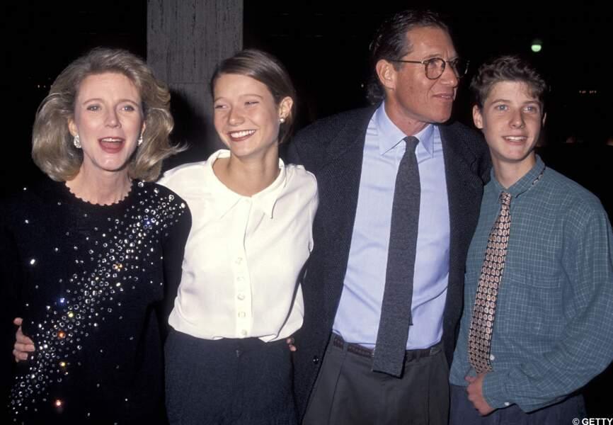 Gwyneth Paltrow et les hommes de sa vies, son père et son frère. 1991