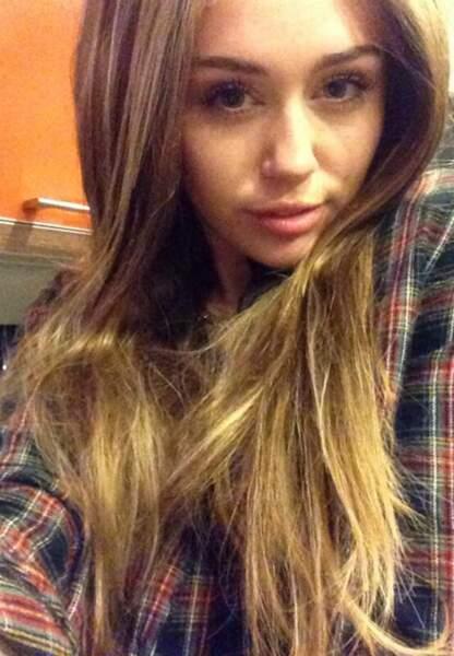 Miley Cyrus passe au long
