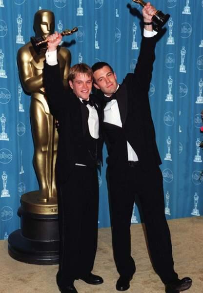 Ils reçoivent l'Oscar du meilleur scénario en 1998 pour Will Hunting