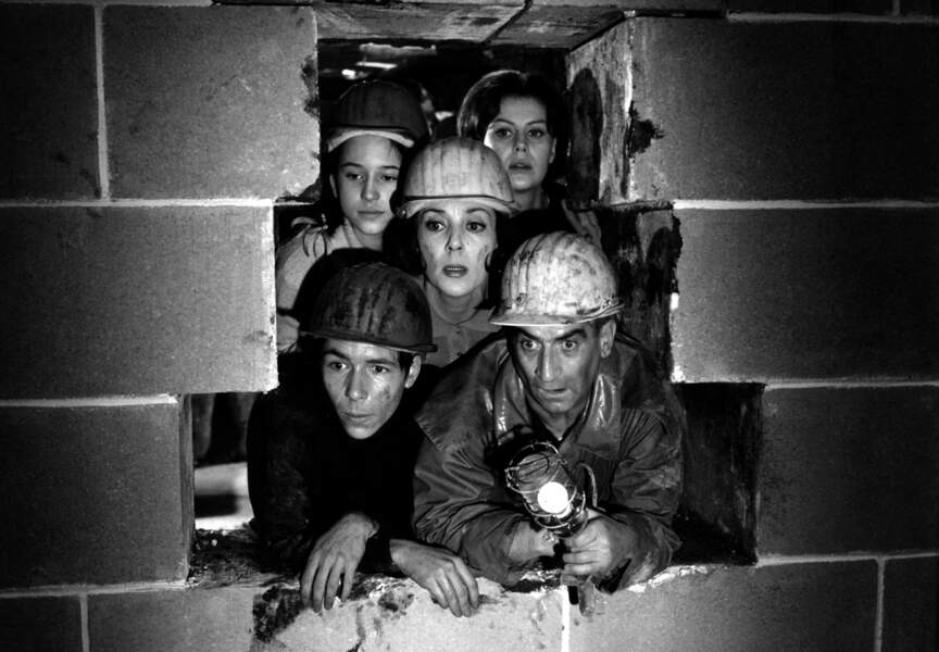 Faites Sauter la Banque de Jean Girault (1963). Avec Catherine Demongeot, Anne Doat, Yvonne Clesh et Michel Tureau