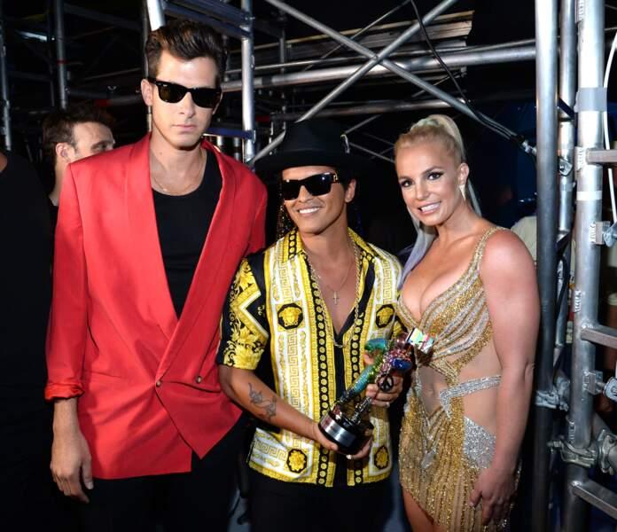 Britney Spears avec Mark Ronson et Bruno Mars
