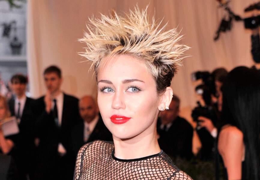 Miley Cyrus et ses lèvres incendiaires