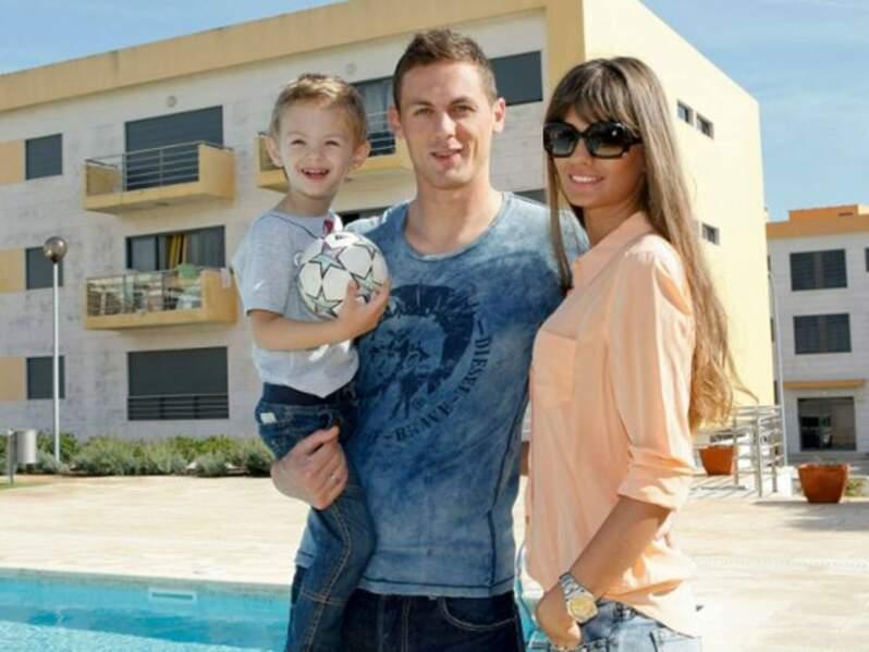 Aleksandra Pavic, la femme de Nemanja Matic, et leur fils Filip (Chelsea)