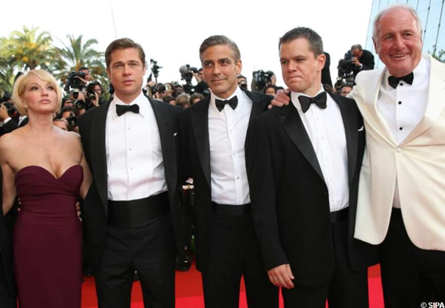Ellen Barkin,Matt Damon, George Clooney, Brad Pitt et Jerry Weintraub à Cannes en 2007