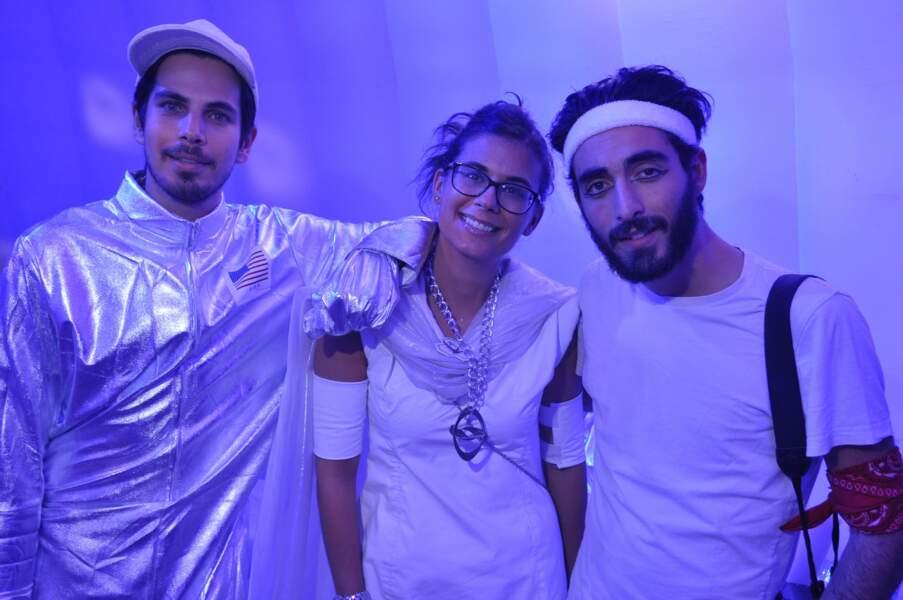 Le DJ Michael Canitrot, le photographe Anthony Ghnassia et une amie
