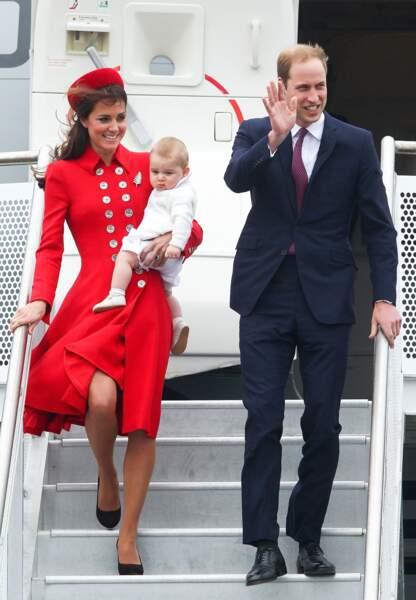 Arrivée sur le tarmac pour la famille royale