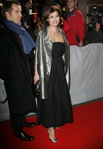 Emmannuelle Devos dans une petite robe noire aux César
