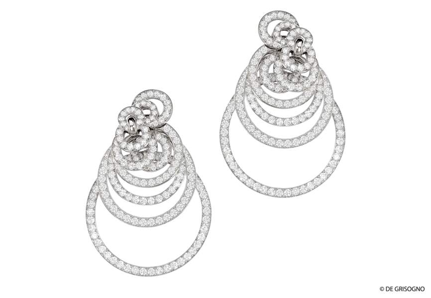Boucles d'oreilles en or blanc serties de diamants