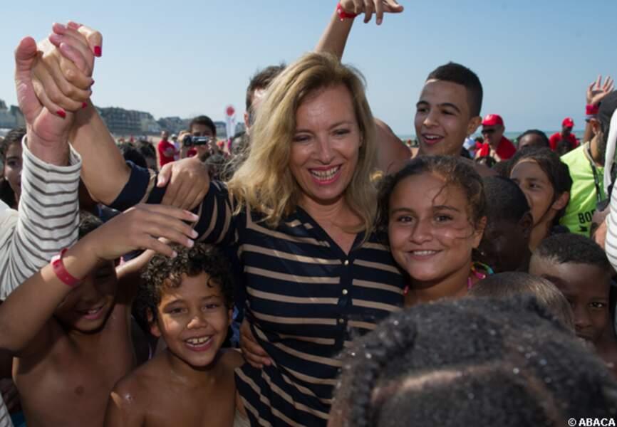 Bain de foule pour Valérie Trierweiler
