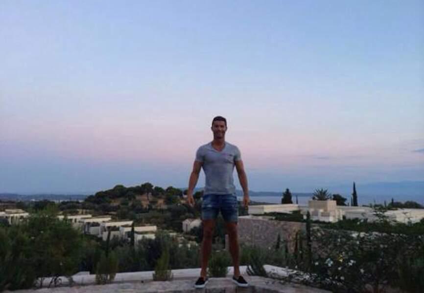 Cristiano Ronaldo s'est remis de ses désillusions du Mondial à Mykonos
