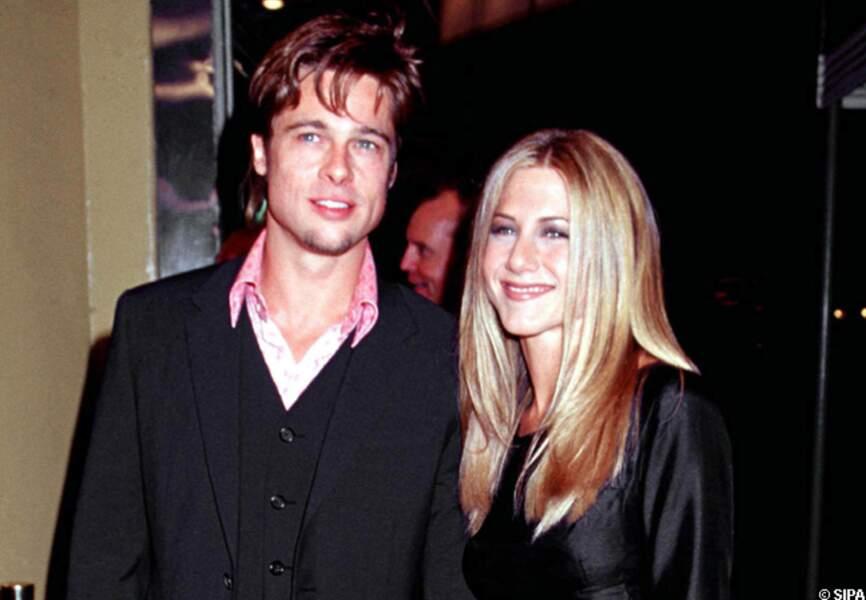 Brad Pitt en couple avec Jennifer Aniston à l'avant-première de Fight Club en 1999