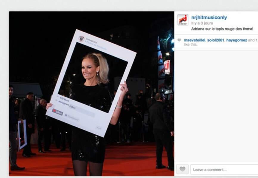 Remettante d'un soir Adriana Karembeu a fait sensation dans sa robe Louis Vuitton
