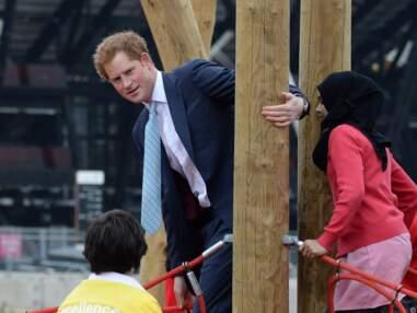 Le Prince Harry retombe en enfance