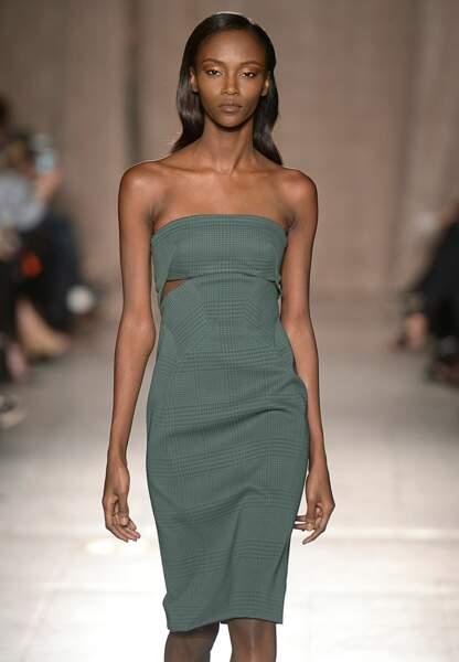 Une robe près du corps pour plus de sensualité