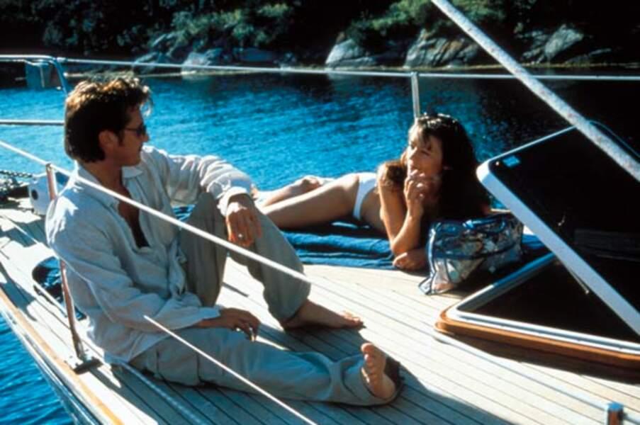 """Sean Penn a 42 ans lorsqu'il joue dans """"Le poids de l'eau"""" la même année"""