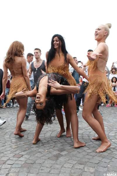 Shy'm et ses danseuses