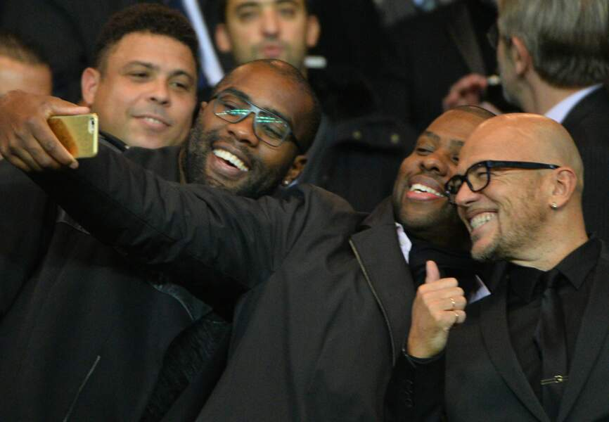 Teddy Riner et Pascal Obispo en mode selfie