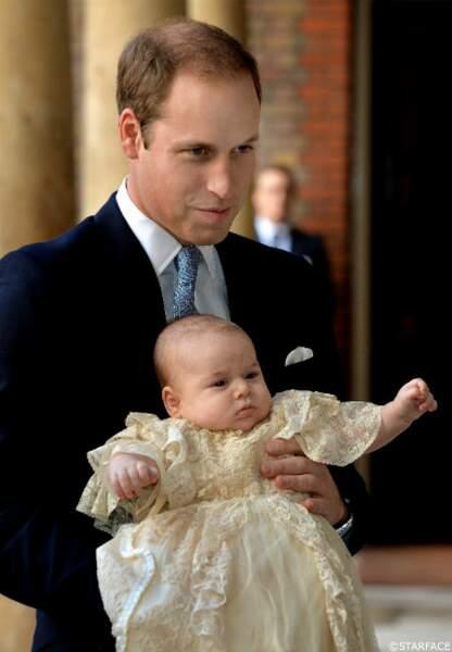 C'est William qui portait George lors de l'arrivée à la chapelle