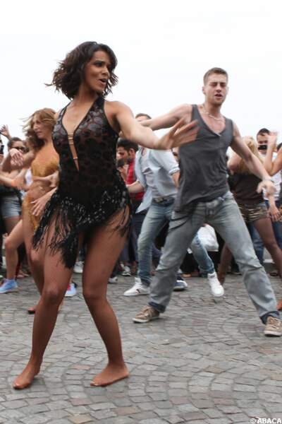 Shy'm et ses danseurs