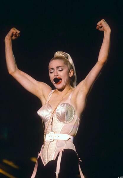 Jean Paul Gaultier et Madonne lient leur destin avec ce bustier