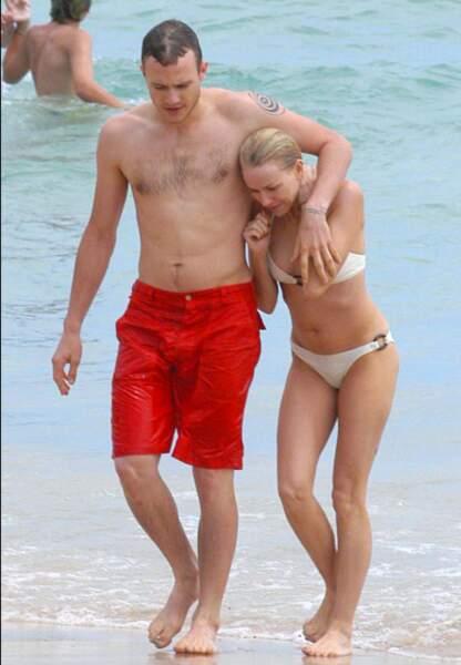 Heath Ledger et Naomi Watts en 2003 à Bondi Beach
