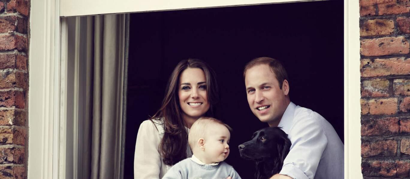 George à 8 mois et il pose en famille avec Lupo, le chien de ses parents