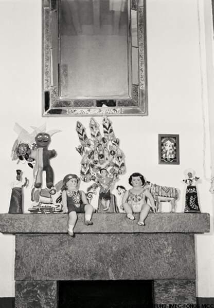 Dans sa maison, l'artiste collectionne les poupées, en mémoire des enfants qu'elle n'a pas eus