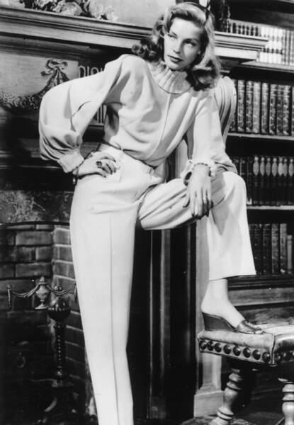 Lauren Bacall, c'était aussi une certaine idée de l'élégance. Ici dans un ensemble en laine signé Leah Rhodes