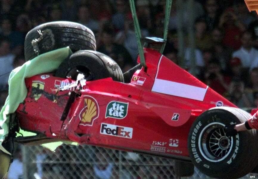 En 1999, Schumi connait une dramatique accident qui le tiendra éloigner des circuits plusieurs mois