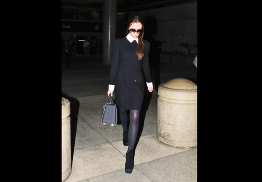 Victoria Beckham revisite la petite robe noire