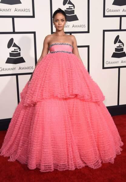 Rihanna en Giambattista Valli et bijoux Chopard