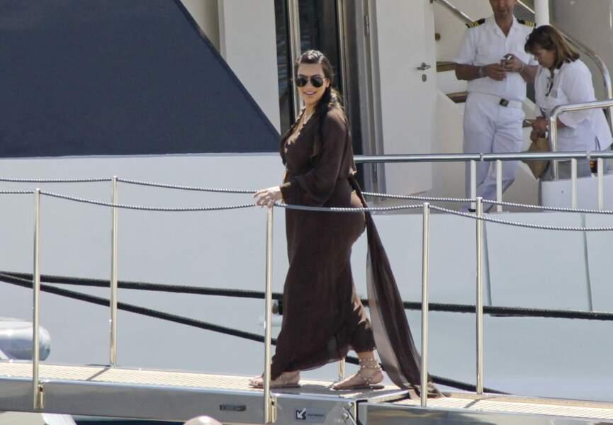 Kim Kardashian, très enceinte, a profité de Mykonos en 2013
