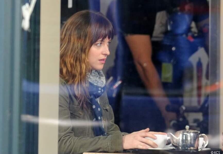 Dakota Johnson est Anastasia Steele