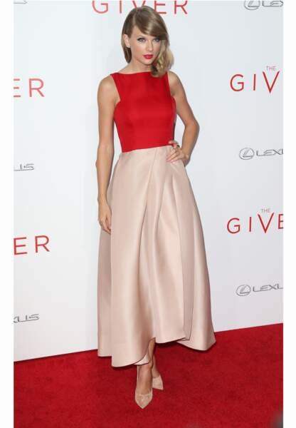 """Taylor Swift à la première du film """"The Giver"""" en 2014"""