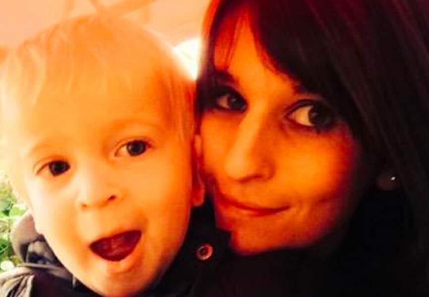 Natacha Hazard (femme du joueur de Chelsea Eden Hazard) et leur fils Léo (Chelsea)