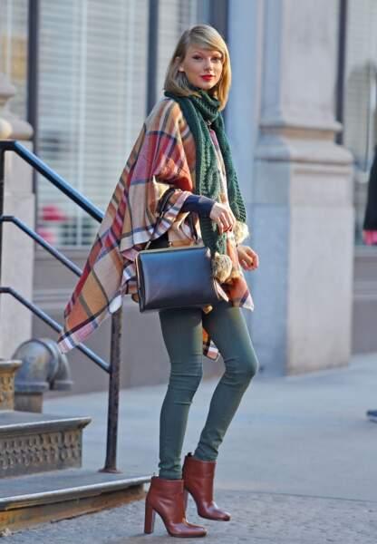Taylor Swift et son look d'automne dans les rues de la Grosse Pomme, novembre 2014