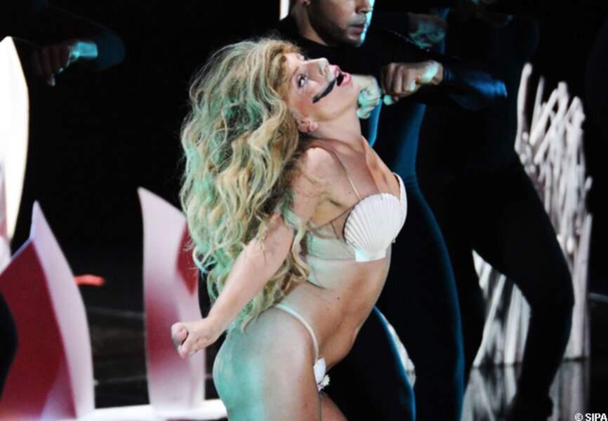 Lady Gaga en pleine performance