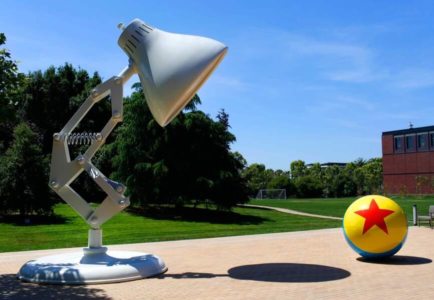 L'emblème de Pixar, la lampe Luxo Jr