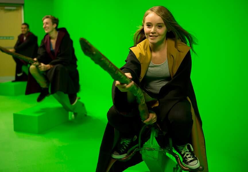 La visite des studios Harry Potter permet également aux fans de s'essayer au Quidditch