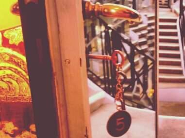 Rihanna pose dans l'hotel particulier de Coco Chanel