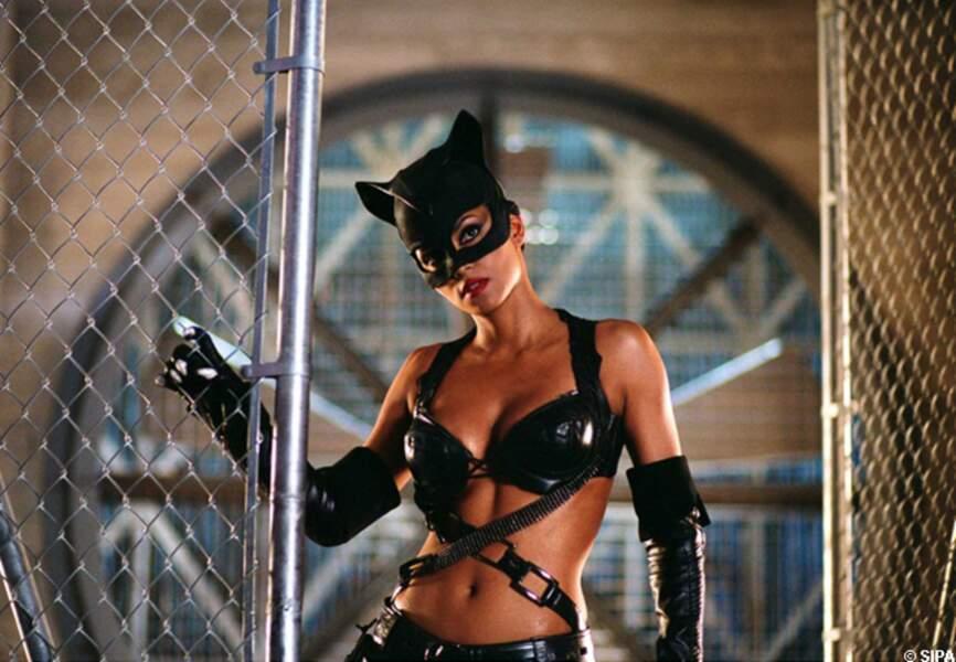 Halle Berry dans Catwoman en 2003