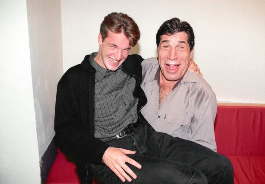 En 1995, il prend la pose avec son père, Jean-Pierre Castaldi