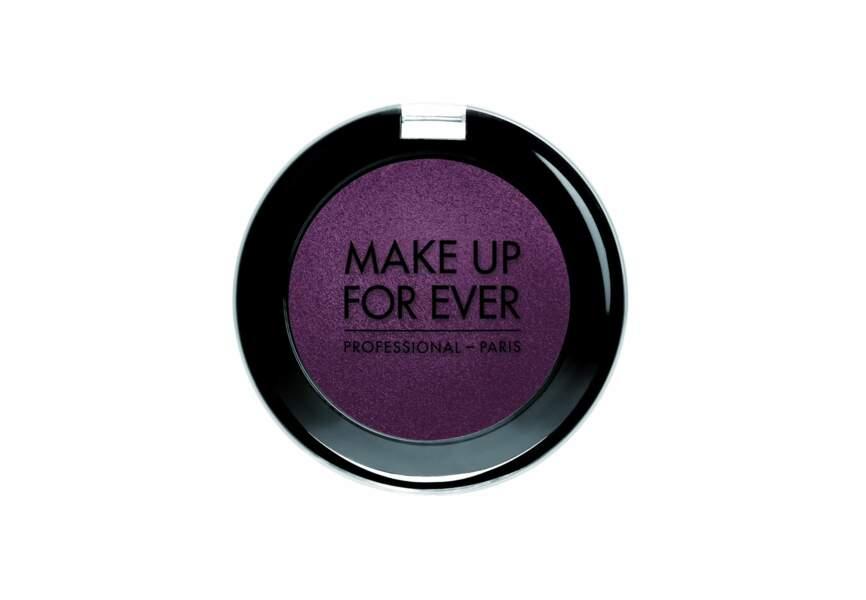 Make Up For Ever, Fard à paupières ME-828 Noir Grenat, 22.50€