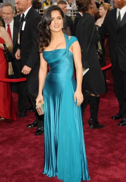 Salma Hayek en Atelier Versace aux Oscars en 2006
