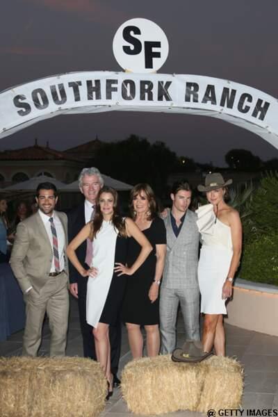 Les acteurs de Dallas arrivent à Southfork