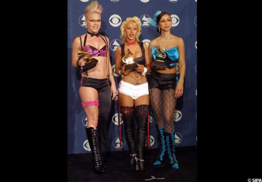 Pink et Christina Aguilera en 2002
